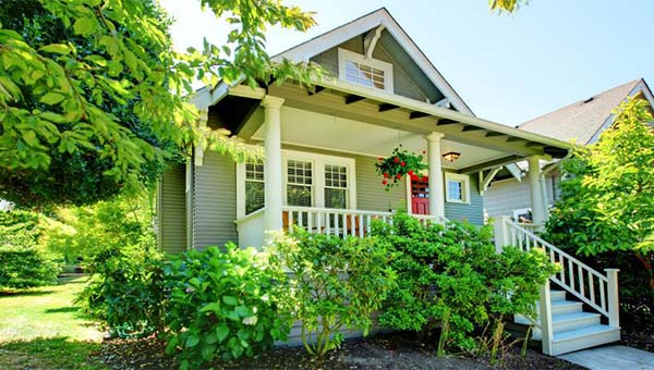 5 Tips for Selecting the Right Exterior Paint Color